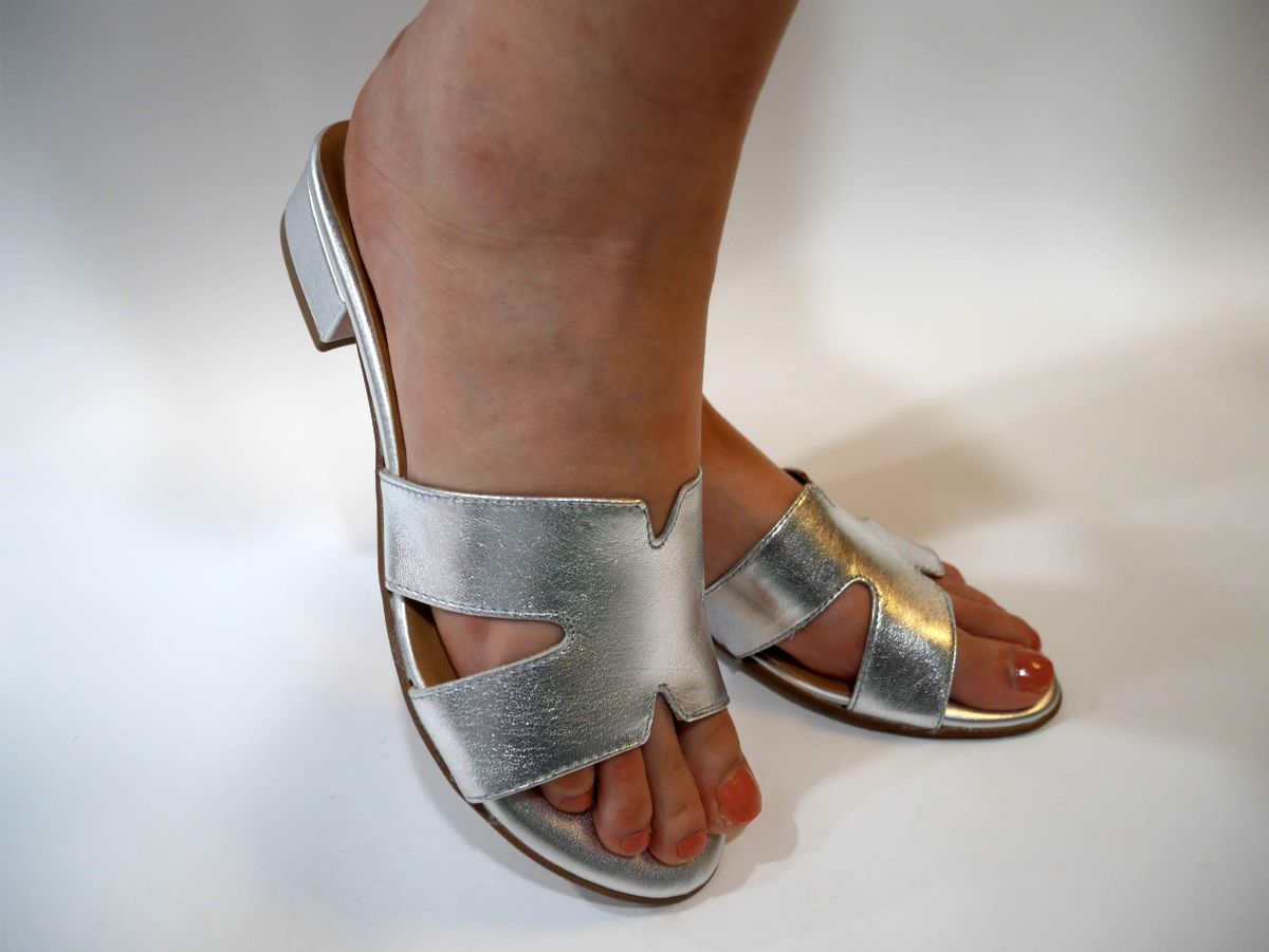 1-1-27123-22 942 SILVER LEATHER 1