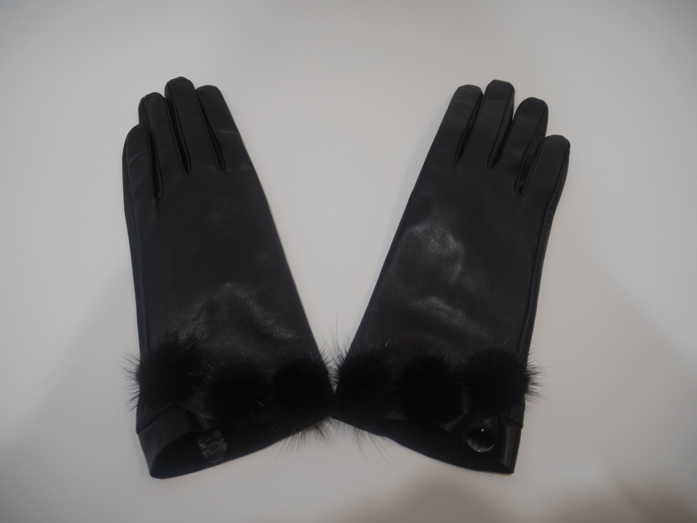 269088 P0015 22222 LEATHER GLOVES 2