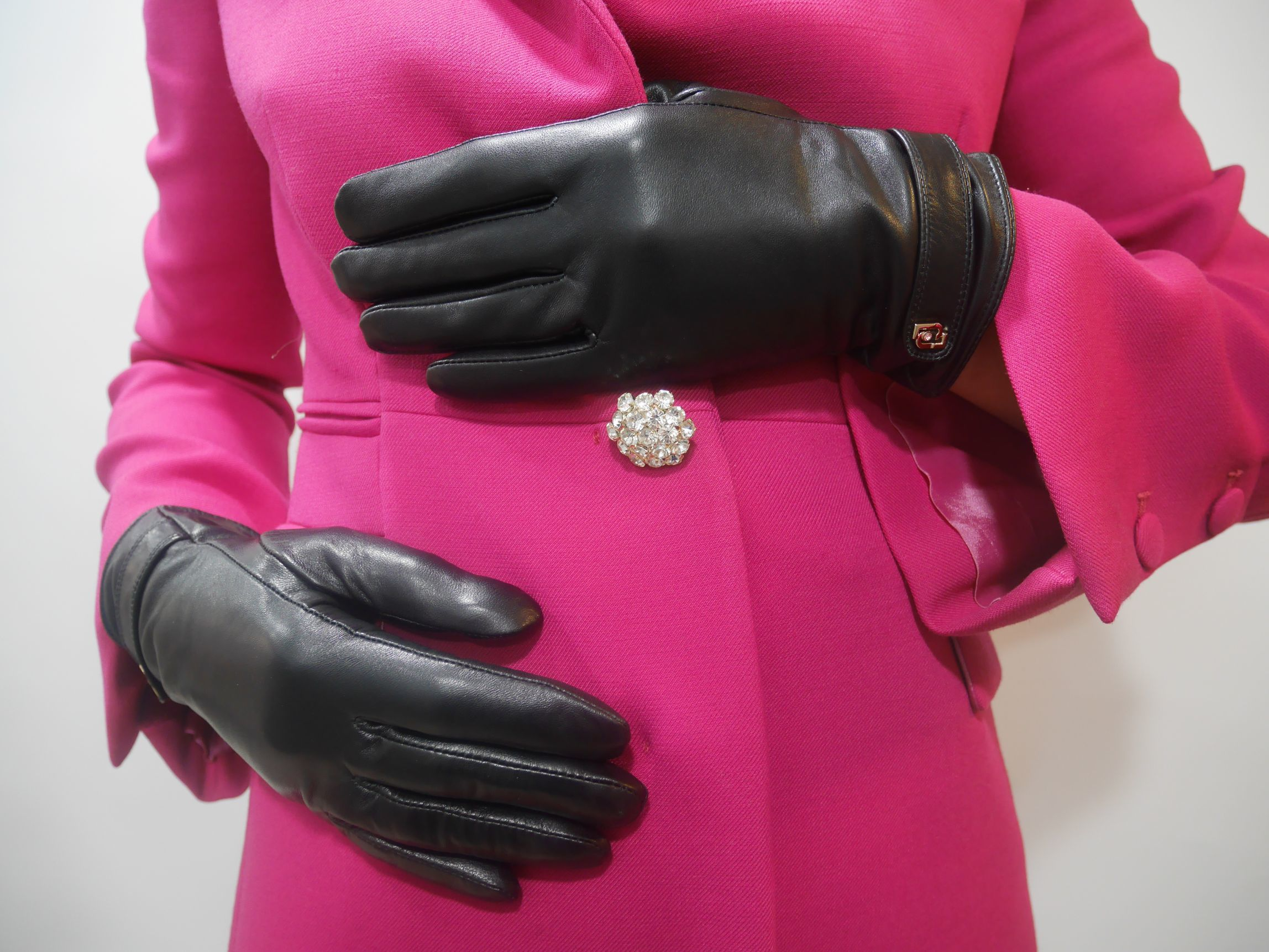 369096 P0016 22222 LEATHER GLOVES 1