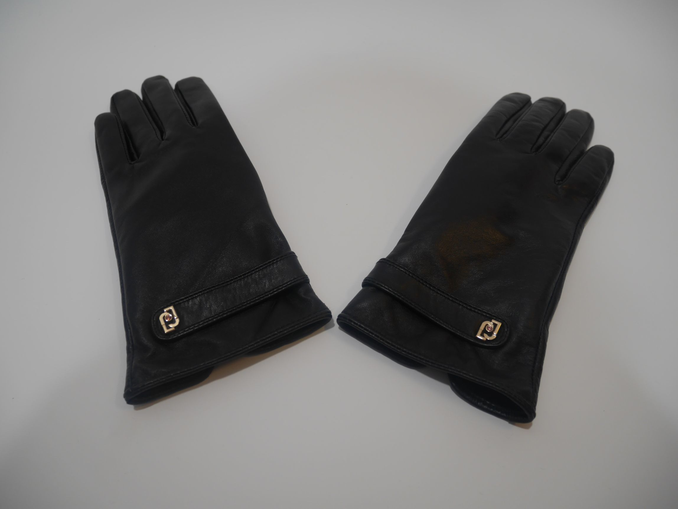 369096 P0016 22222 LEATHER GLOVES 2