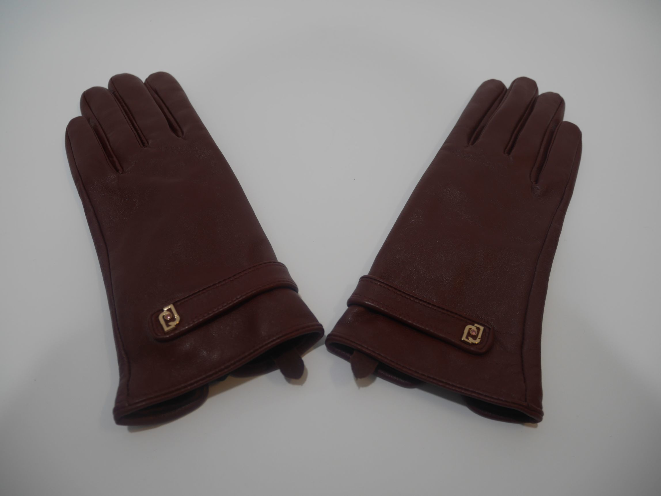369096 P0016 91725 LEATHER GLOVES 2