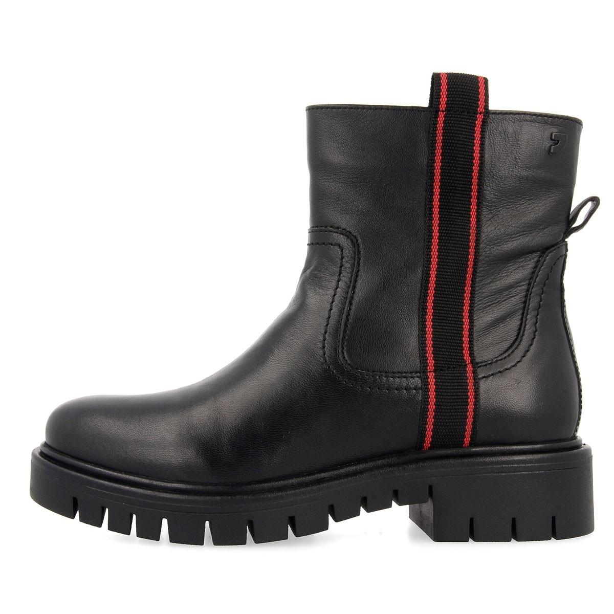 56554 Black BOOTS 2