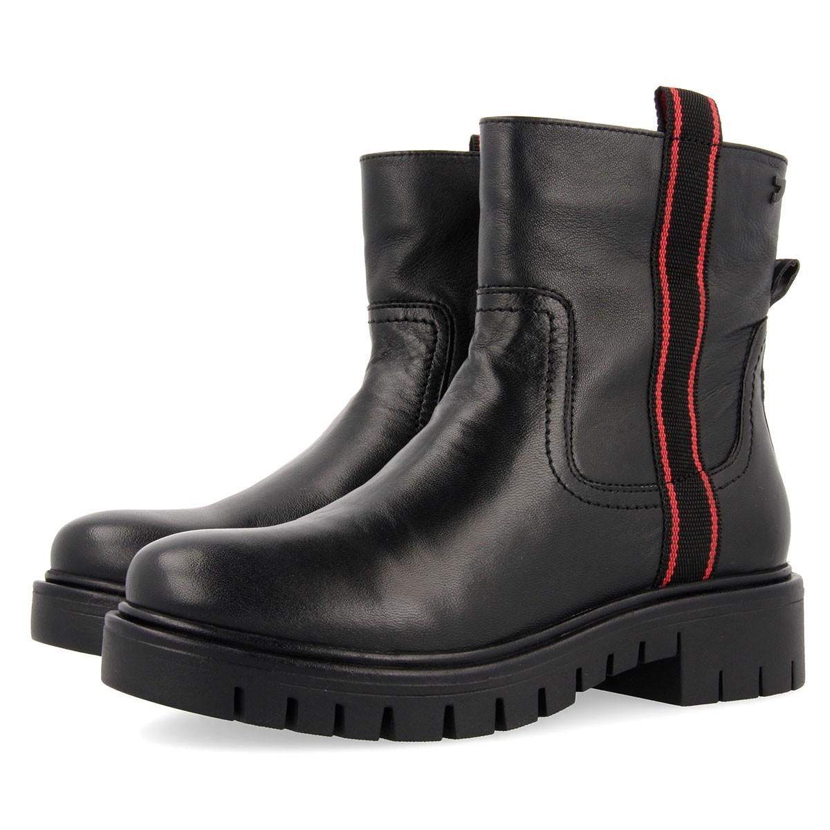 56554 Black BOOTS 3