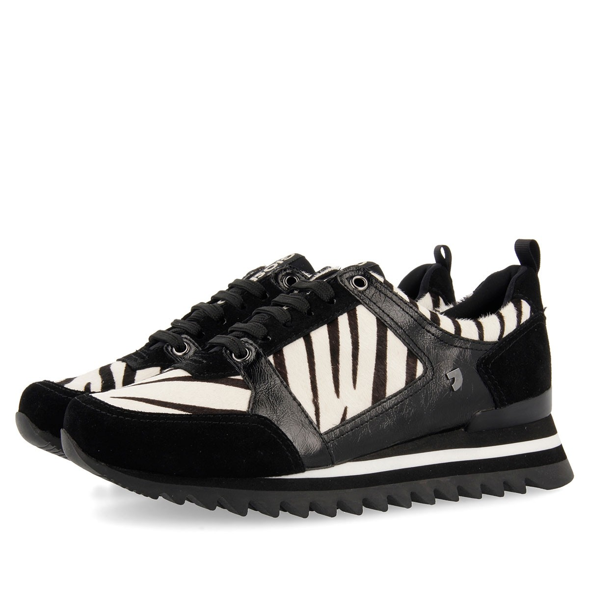 56709 Off-White CASUAL-SPORT 3