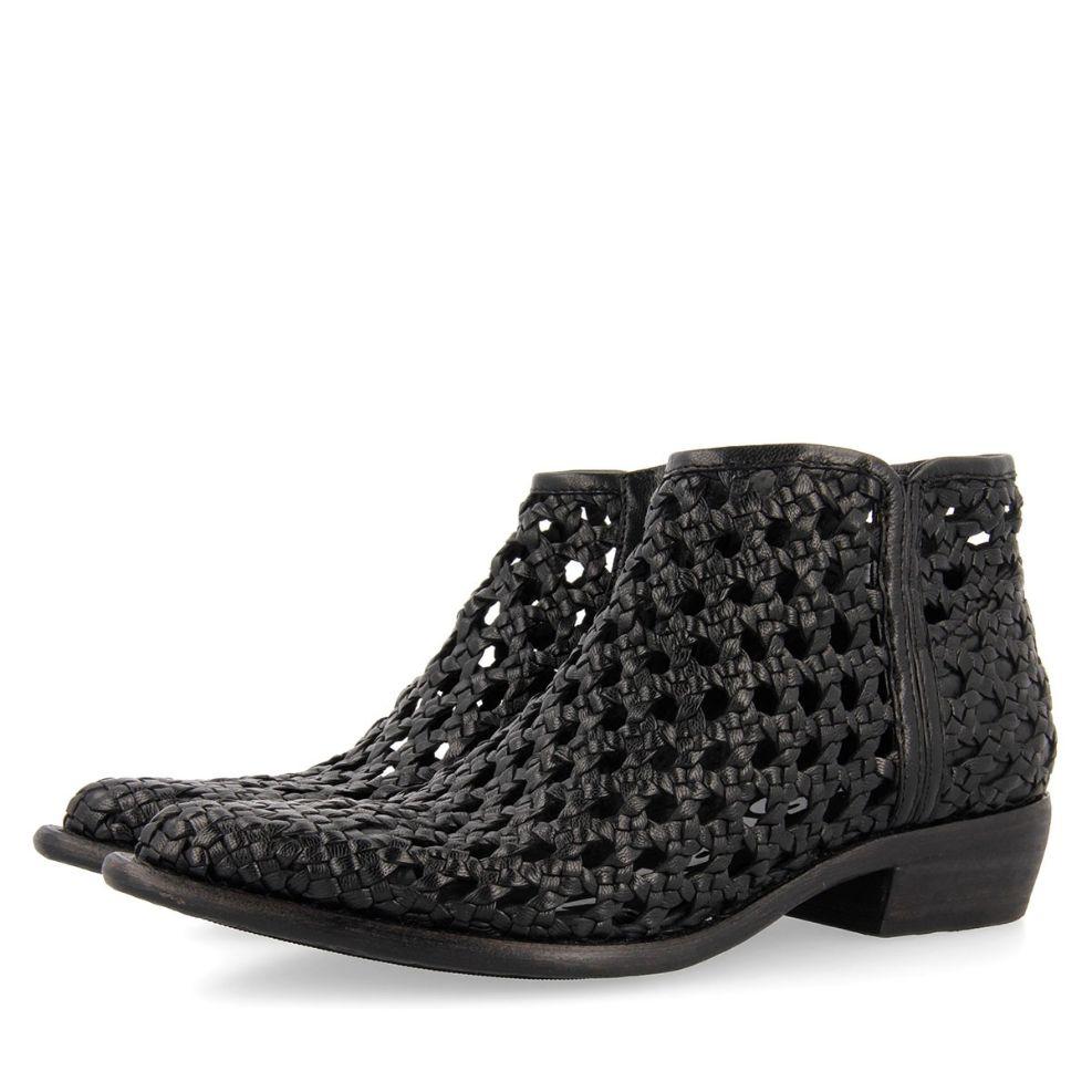 58253-P Black BOOTS 2
