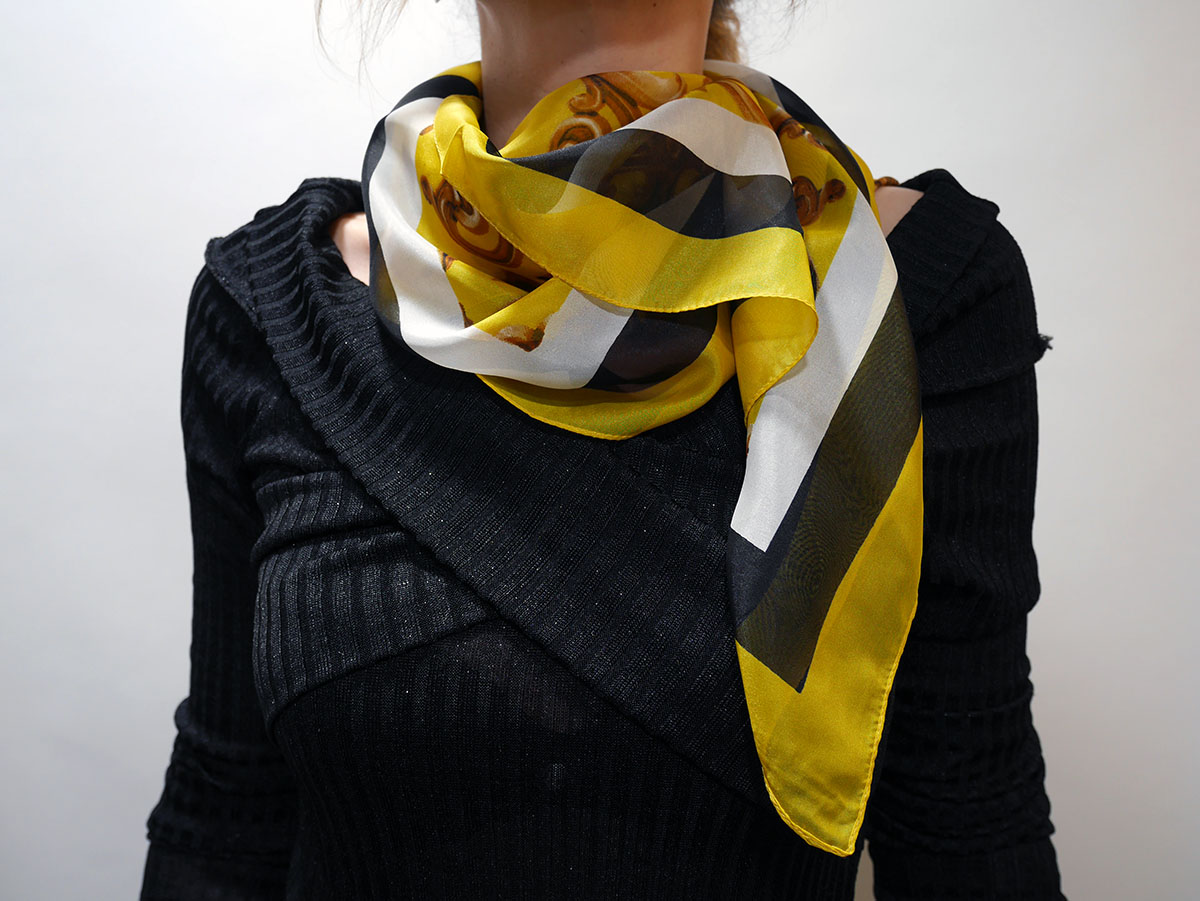 6G5GW51S6 SQUARE SCARF YELLOW 1