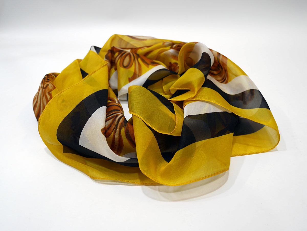 6G5GW51S6 SQUARE SCARF YELLOW 3