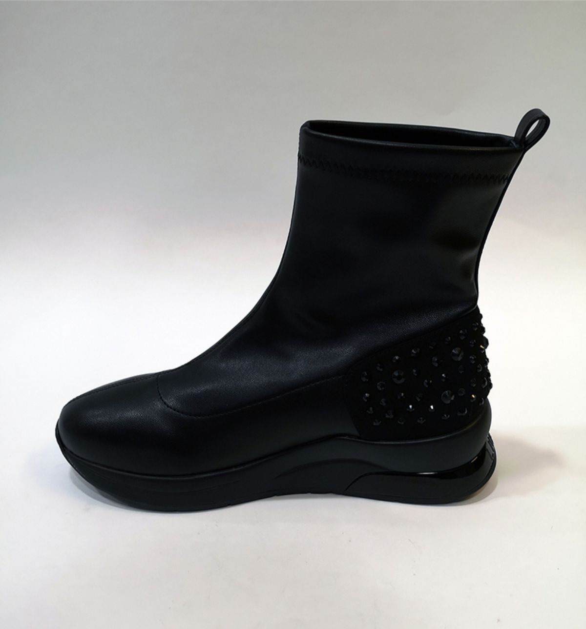 B69035-JX001 KARLIE 28 BOOTY BLACK 2