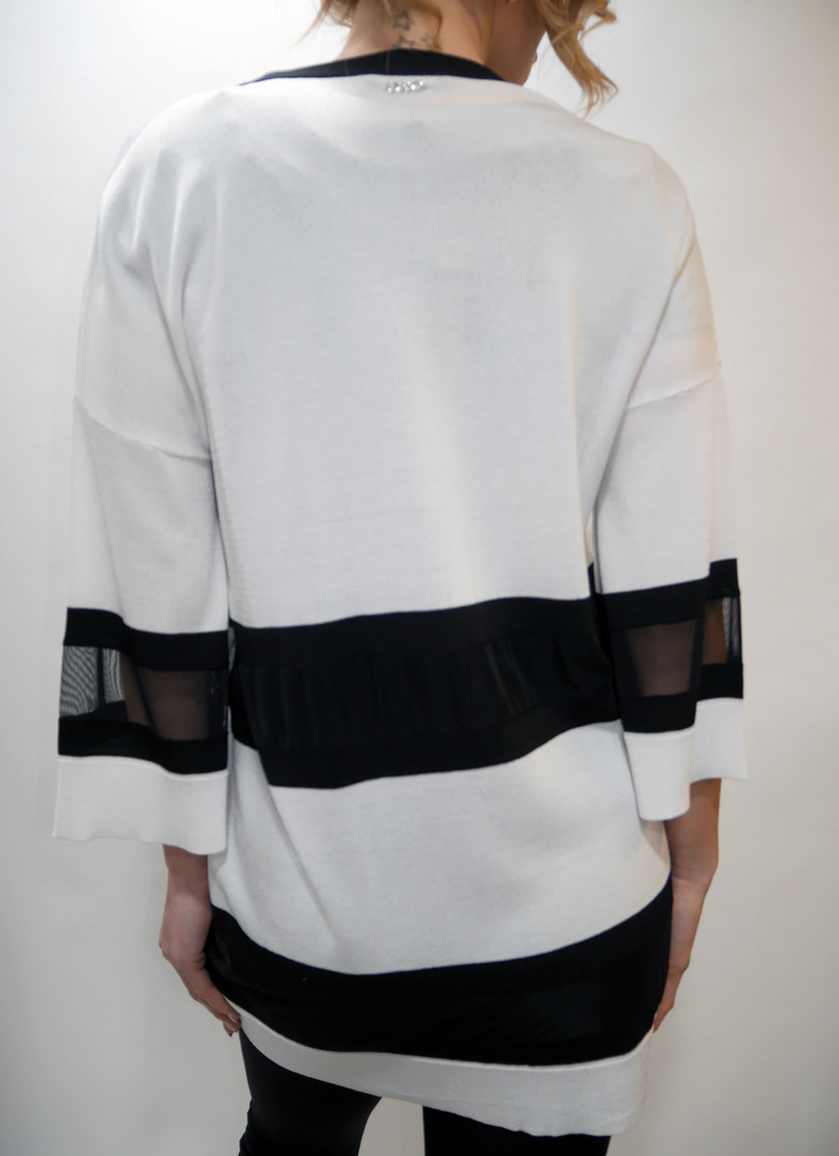 T19029 MA92G SWEATER White-nero 2